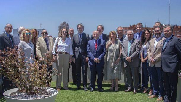 Reunión del Ministro de Fomento con la mesa del Turismo