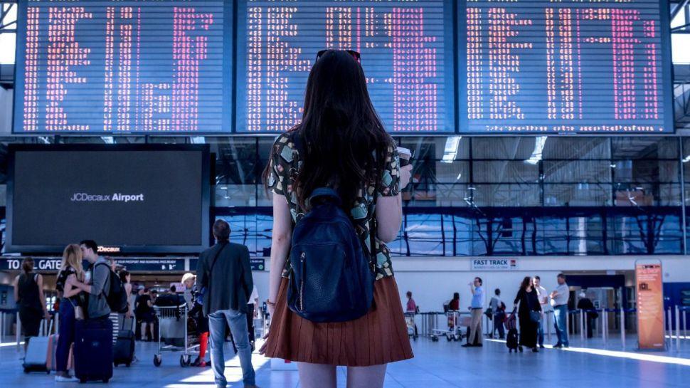 La llegada de turistas cayó un 70,5% en julio y su gasto un 79,5%