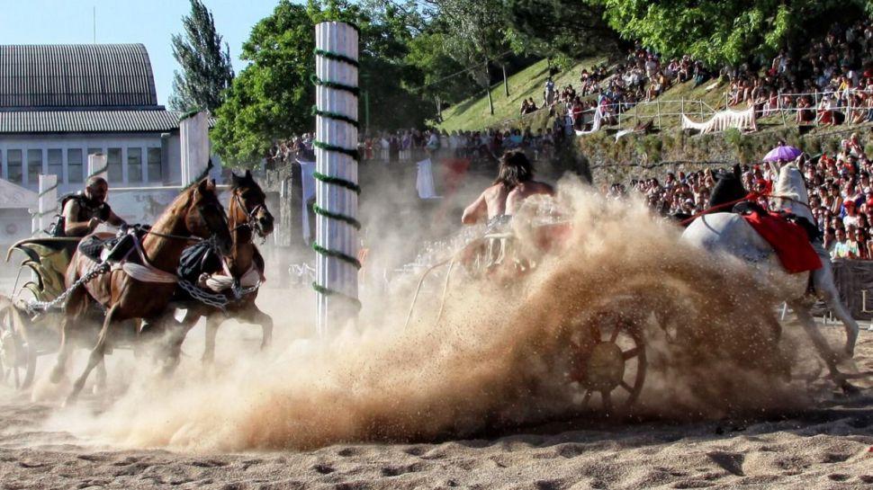 Fiestas y recreaciones históricas para devolver la ilusión al turismo