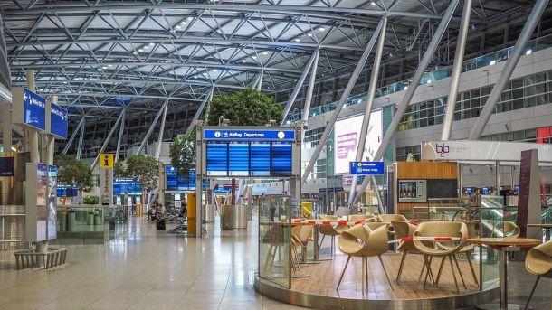 Los viajes internacionales en suspenso en gran parte a pesar del repunte de mayo