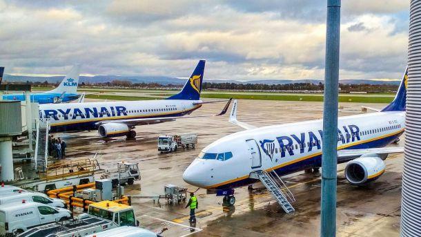 Los pasajeros de Ryanair con tarjetas de embarque de 'Kiwi' no podrán volar