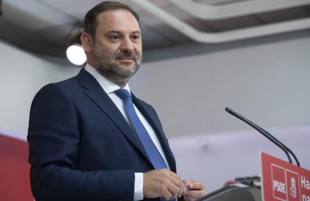 Ábalos se compromete a conectar Madrid y Santander en tres horas en 2024