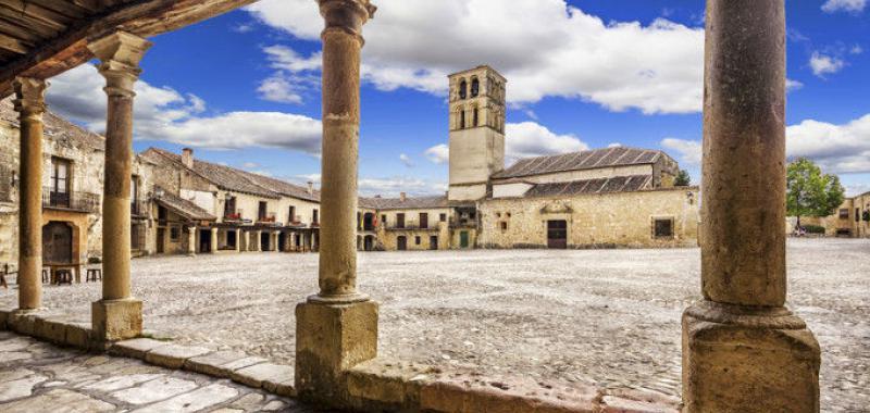 Resultado de imagen de Plaza mayor porticada de Pedraza